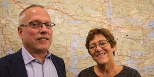 Märtha Dahlberg (S), som har varit med från kommunens rivstart, och nuvarande ordförande i kommunfullmäktige Cenneth Åhlund (M) är glada över jubileumsåret.