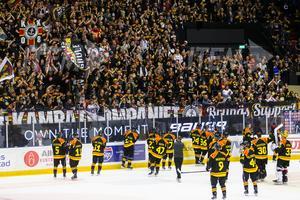 Välfyllt på ståplats. Bild: Andreas Sandström / BILDBYRÅN