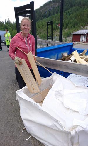 Sandra Holmström berättar att 35 kubik avfall noggrannt sorterats .
