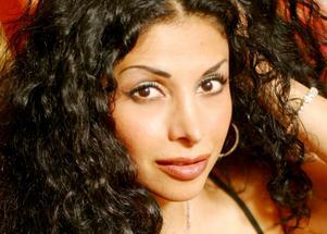 Zinat Pirzadeh uppträder i Hallsberg på lördag kväll.Foto: Mindflyers.se