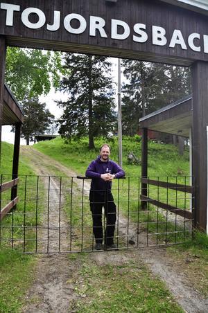Lars-Erik Jonsson har arrangerat danser i många år i och utanför länet.  Det blir första gången för honom på Trätojordsbacken och han ser fram emot kvällen.