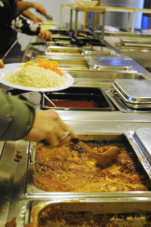 Hallsbergs kommunstyrelse har beslutat att investera nära fem miljoner de närmaste tre åren i Alléskolans kök, som måste rustas. Kommunen hyr tillagningsköket av Sydnärkes utbildningsförbund. Foto: Anna Mendelsson/Arkiv