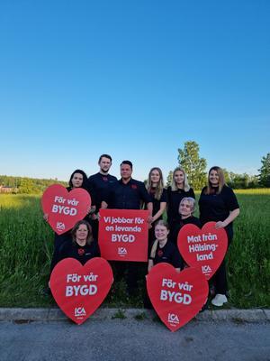 ICA-butiken i Forsa med Rickard Nyberg och hela hans personal är en av årets PH Lindh- stipendiater i Forsa.