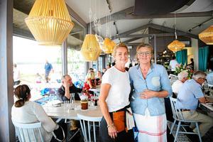 En liten sjökrog i Sörfjärden drivs av Sundsvallskrögarna Agneta Hedman och Annika Höglund Svensson.