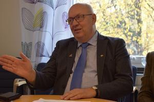 På bilden: Ulf Berg (M).