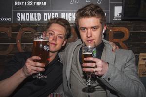 Taco Bar. Permition och Johan.