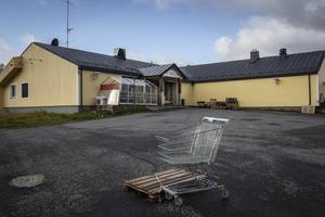 Storlien Food Handel är fortsatt stängt men ägarna jobbar för att kunna öppna igen.