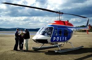 Sökandet efter Jarmo Pistools kropp pågick i flera dagar i trakterna av Sandnäset. Bild: Mathias Lindqvist