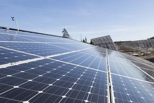 Tidig installation av solceller producerade 58000 kWh el som användes till byggel, skriver Skanska.
