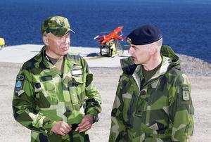 Stefan Kriegholm, range commander, och brigadgeneral Fredrik Bergman anser att robotövningen i Härnösand har varit mycket lyckad.