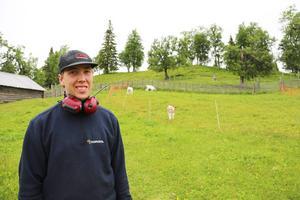 Micke Nyberg fick av en händelse hoppa in som dräng under sin semester.