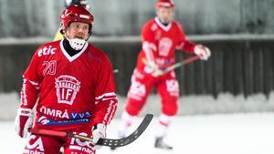 Joakim Hedberg fick be Östersunds BS om ursäkt för sitt lags uppträdande i premiärmatchen.