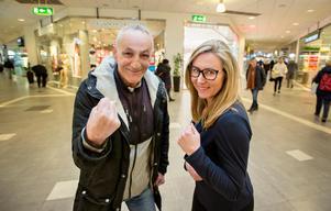 Kostas och Maria Sörling är taggade till tårna att slå Köpings världsrekord på längsta smörgåstårtan.