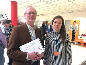 Richard Appelbom och Matilda Molander, VLT:s ledarskribenter, tyckte inte att Björklunds tal innehöll så många nyheter. I bakgrunden skymtar EU-kommissionären Cecilia Malmström, en av många EU-toppar på Liberalernas riksmöte i helgen.