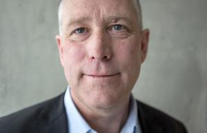 Regiondirektör Hans Svensson känner sig lugn med den planering och de förberedelser som sjukhuset har hunnit genomföra för att möta en eskalerande coronasituation.