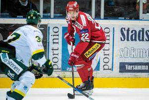 Emil Molin är hela seriens poängkung, sex poäng före närmaste konkurrent.