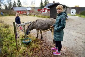 Emma Höglund är mycket nöjd med Rosaleas insats under filminspelningarna och hoppas att fler sådana möjligheter ska dyka upp.