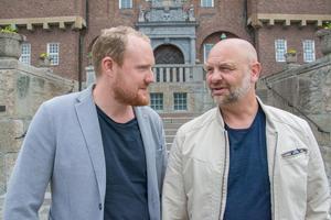 Socialdemokraterna i Östersund lägger fram ett eget förslag till budget. Skolan är i fokus, men det finns mer. På bilden: Niklas Daoson och Anders Edvinsson.