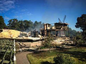 I juli 2016 brann värdshuset på Torekällberget ned till grunden. Foto: Staffan Löwstedt/TT