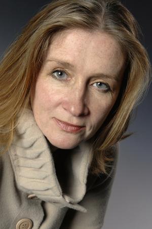 Ett av de internationella inslagen på årets deckarfestival, som Kerstin Bergman får möta:  brittiska Sharon Bolton. Bild: Pressbild