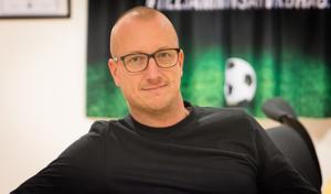 Ola Lundin, sportchef i IK Brage, ger sin syn på framtiden i antingen Superettan eller Allsvenskan.