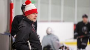 Tobias Lundqvist har tagit klivet in i tränarrollen.