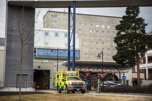 Många sjuksköterskor har valt att lämna sin tjänst på akuten i Falun. Ett stort problem, skriver en besviken medarbetare.