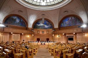 Utfrågningar av en landstingsmotsvarighet till riksdagens konstitutionsutskott - ett förslag på hur  Thelinaffären och andra affärer inom landstinget skulle hanteras. Bild: Noella Johansson/TT
