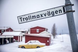 Troll-Maxens namn lever kvar än i dag. Den här finns i Aspås där han en gång bodde och verkade.
