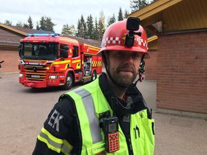 Erik Bäck berömmer personalen för deras rådiga agerande i samband med branden.
