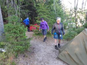 Uppsättning av våra tält vid Näskefäbodar. En härlig sommarkväll.