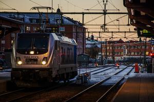 Södra Norrland har länge hållit andan om dubbelspår mellan Gävle och Härnösand. Regeringen lämnade i somras besked om vad som ska byggas ut de närmaste tio åren: 14 kilometer mellan Sundsvall och Dingersjö samt knappt fyra mil mellan Gävle och Kringlan.