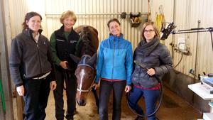 Forskare på besök vid Stiernhööksgymnasiet. Det är från vänster Gittan Gröndahl, , Siv Hanche Olsen från Oslo, samt Anna May och Lara Walendy från München.  Foto: Gittan Gröndahl