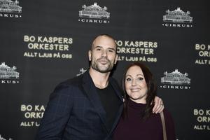 Martin med sin Hanna Hedlund som är syster med Lina Hedlund. Bild: Pontus Lundahl/TT