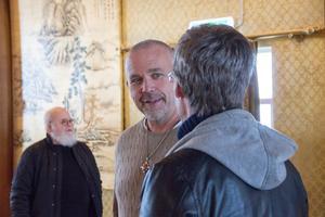 Olle Larsson, Dragon Gates nya ägare, minglade bland besökarna.