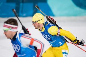 Sebastian Samuelsson på den tredje stafettsträckan som gav OS-guld.