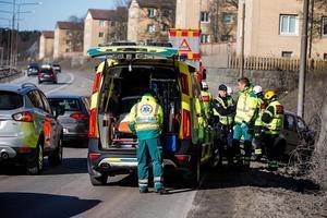 En person i olycksfordonet fördes till sjukhus för kontroll.