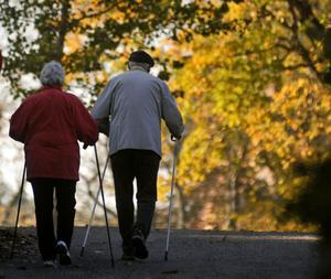 Valfrihet inom äldreomsorgen är att kunna välja bort en dusch till förmån för en promenad en solig dag.