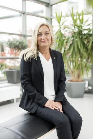 Veronica Lauritzsen är länsråd i Gävleborgs län och leder tillsammans med landshövding Per Bill länsstyrelsen i Gävleborg. Foto: Stéfan Estassy.