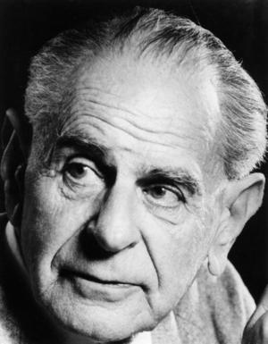 Den österrikisk-brittiske filosofen Karl Poppers förödande kritik av marxismens vetenskapsanspråk gjorde starkt intryck på Erik Olin Wright och de andra analytiska marxisterna. Foto: LSE Library