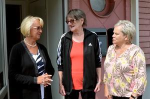 Anita Edin, Lisbet Lundgren och Gudrun Ericsson sitter i PRO Timrås styrelse. De vittnar om ojämlika förhållanden när det gäller ekonomin för kvinnor respektive män i pensionsåldern.