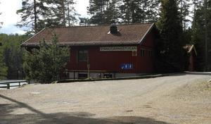 Falu kommun köpte Stångstjärnsstugan av Falu IK förra året. Då hade förhandlingar pågått under en period. 2016 sa Jonas Lennerthson till tidningen att kommunen vill att det ska bli tillgängligt för ännu fler falubor. Nu ser det ut att bli tvärtom.