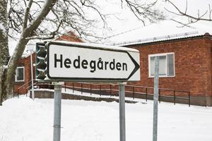 """I januari kom beskedet att omsorgsförvaltningen lägger ner sin verksamhet i Hedegården i Horndal. De senaste månaderna har lokalerna stått tomma och Gamla byn har beslutat att sälja dem vidare. """"Vill få in externa aktörer"""", säger vd Jan Näslund."""