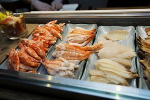 På menyn står sushi men även andra japanska varmrätter såsom gyoza och yakiniku. Vid  en hygienkontroll som gjordes av kommunen 2018 fick Sushi Kultur högt betyg.