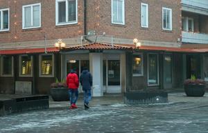 Här i hörnet mellan Köpmangatan och Hyttgatan i det så kallade Krysset etablerar sig Espresso House.
