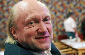 Jan Tholerus (C) anser att kommunfullmäktige i Smedjebacken ska bestå av 35 ledamöter, vare sig fler eller färre.