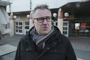 Samhällsbyggnadschefen Jan Lundberg har fått ett lönelyft på 2 000 kronor i månaden...