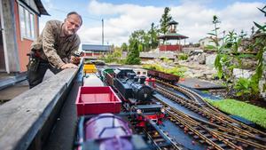 Karl-Anders Lindberg vill skapa Europas modernaste utomhusjärnväg i skala 1:22. Efter att ha fått pengar från EU kan planerna bli verklighet.