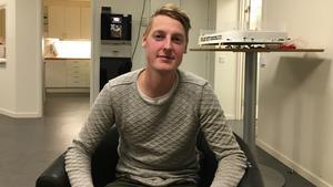 Drygt ett halvår efter hjärtstoppet sätter Fabian ord på känslorna över att leva med en pacemaker som 29-åring.