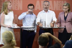 Alliansens partiledare  Annie Lööf (C),Ulf Kristersson (M), Jan Björklund (L) och Ebba Busch Thor (KD) håller pressträff om nya förslag för en stärkt krisberedskap och krisledningsförmåga.Foto: Hossein Salmazadeh / TT